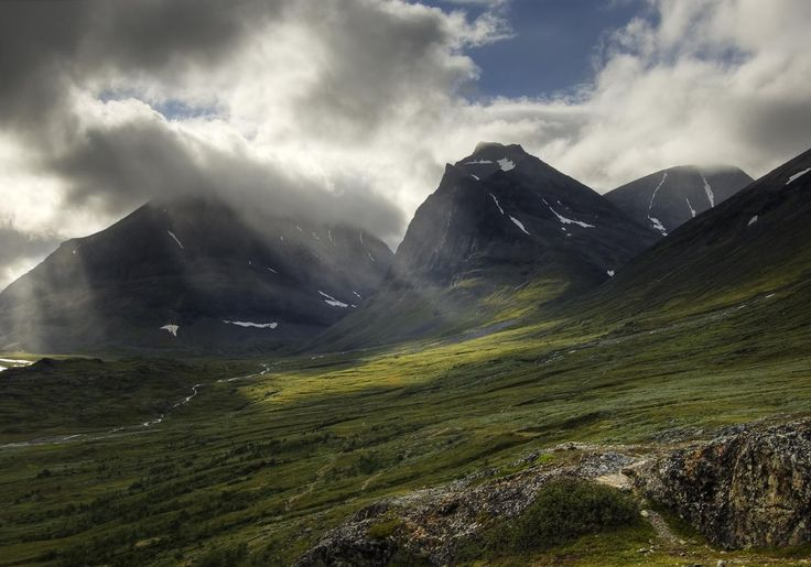Mount Doulbagorni in the Kebnekaise valley in Lapland | holm°