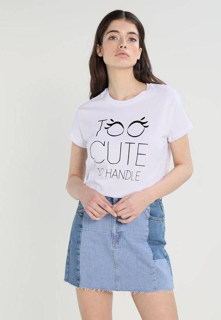 T-Shirt print - white. #T-shirt #Fashion #zalando #FunnyT-shirt #LustigeTshirt Ausschnitt:Rundhals. Material Oberstoff:100% Baumwolle. Gesamtlänge:63 cm bei Größe S. Pflegehinweise:nicht Trockner geeignet,Maschinenwäsche bei 30°C,Schonwaschgang. Materialkonstruktion:Jersey. M...