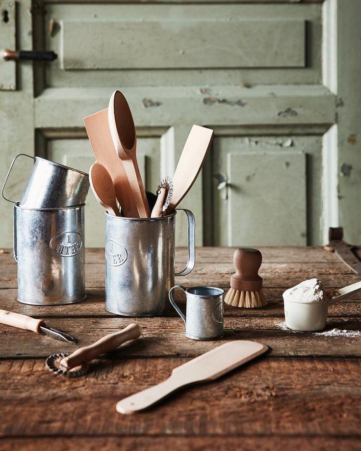 Ett enkelt sätt att börja plastbanta hemma är att investera i gedigna träredskap till köket! ❤ Vi älskar naturmaterial och det bästa är att de bara blir finare med åren! #stromshaga #strömshaga