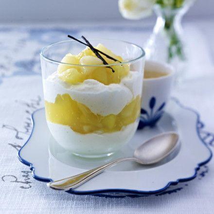 Birnen-Apfel-Grütze mit Vanille-Quark Rezept | LECKER
