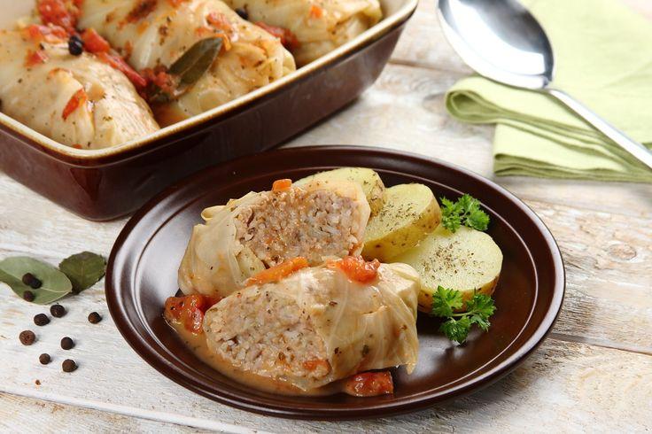 Sprawdzony przepis na Gołąbki tradycyjne z ryżem i mięsem. Wybierz sprawdzony przepis eksperta z wyselekcjonowanej bazy portalu przepisy.pl i ciesz się smakiem doskonałych potraw.