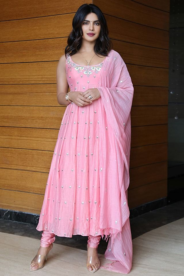 Think Pink Desi Girl Priyanka Chopra Works Her Charm Again In A Blush Pink Kurta Set Indian Designer Outfits Designer Dresses Indian Kurti Designs Party Wear
