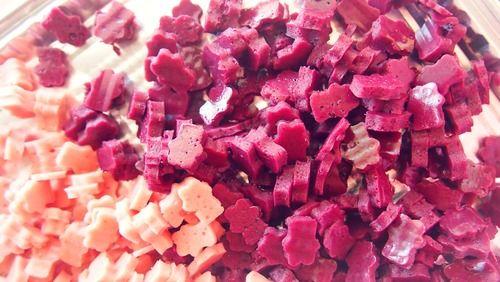Domácí gumoví medvídci ze samých dobrých a zdravých surovin jistě potěší každého, kdo má tyto bonbony v oblibě. Vyzkoušejte tento jedinečný recept.