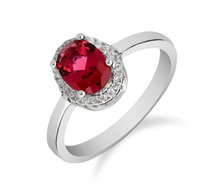 Elegantní stříbrný prsten s oválným rubínem