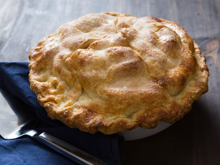 A great apple pie can be as simple as picking the right type of apples; chopping them up; tossing them with sugar, spices, and a thickener; dumping them into a killer homemade pie crust; topping it; and baking it. A perfect apple pie, on the other hand, takes just a little bit more work. Here's how to get there, fully illustrated with step-by-step photos.