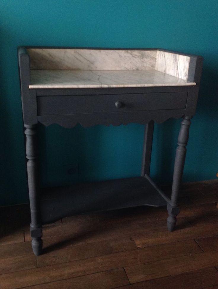 Table de toilette ancienne avec marbre