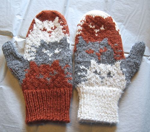 cat mittens trio