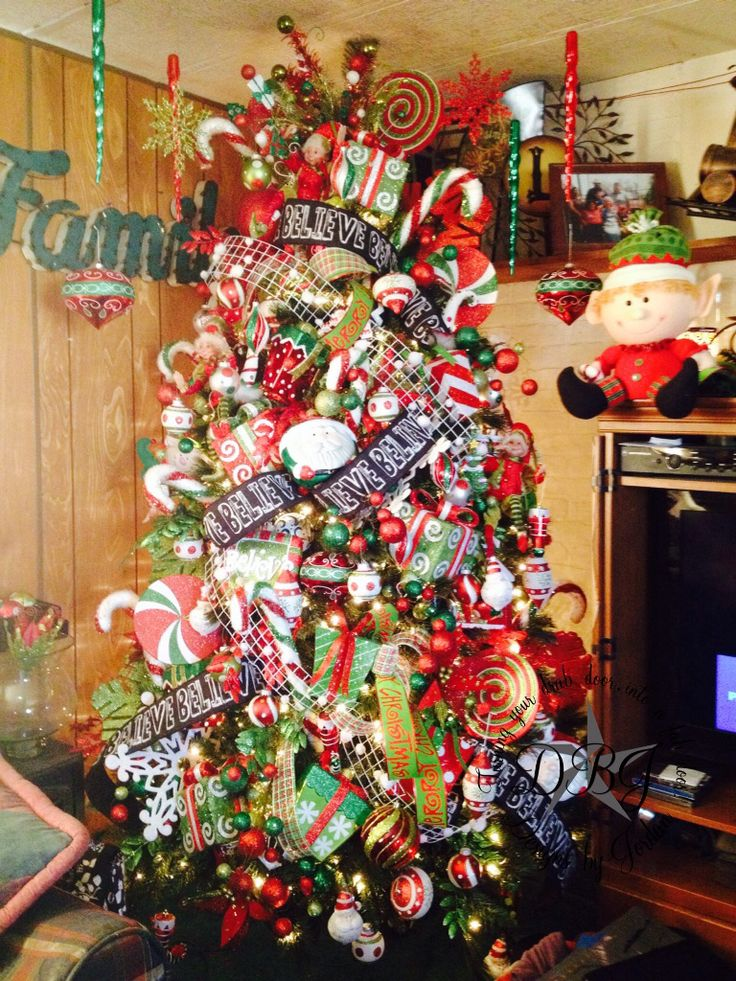 Designs By Jordan 2014 Christmas Tree.
