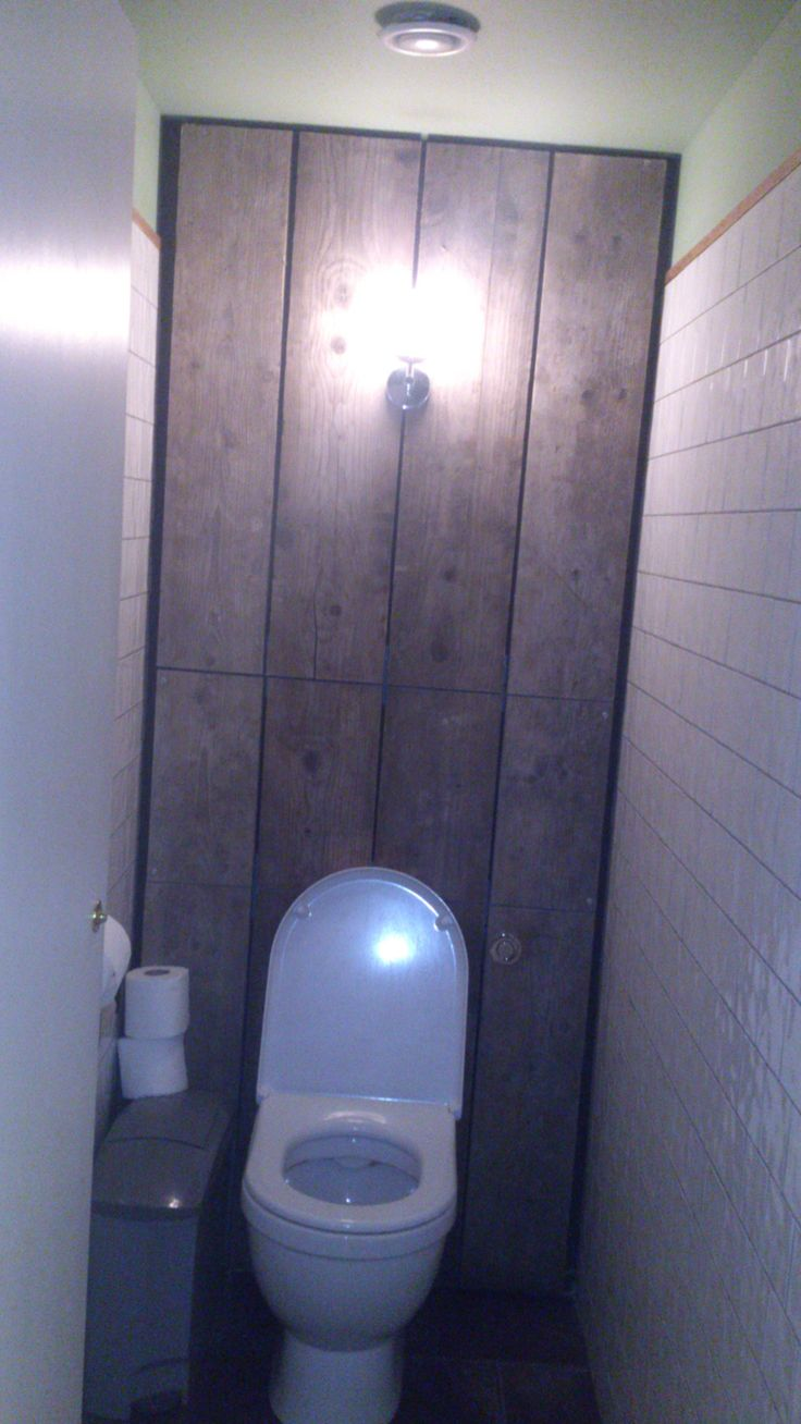 Wooden planks back wall in loo! Seen at Pho Vietnamese restaurant, Black Lion St, Brighton