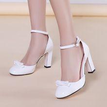 Big shize femmes été chaussures de mariage dames bout carré sandales filles blanc rose rouge douce talons hauts sandales à lanières A683(China (Mainland))