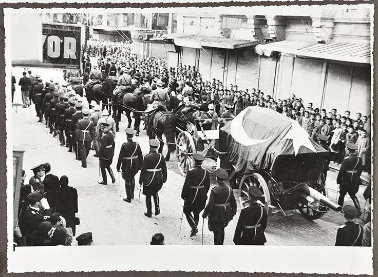 Büyük Başbuğ Atatürk'ün İstanbul ve Ankara'daki Cenaze Töreni Fotoğrafları 11. Bölüm