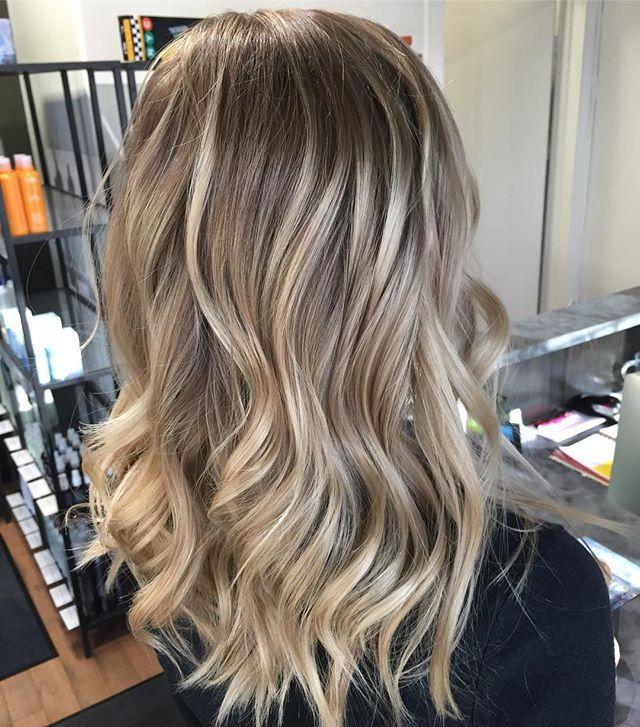 25 best ideas about blonde sombre on pinterest blonde sombre hair balayage hair blonde and. Black Bedroom Furniture Sets. Home Design Ideas