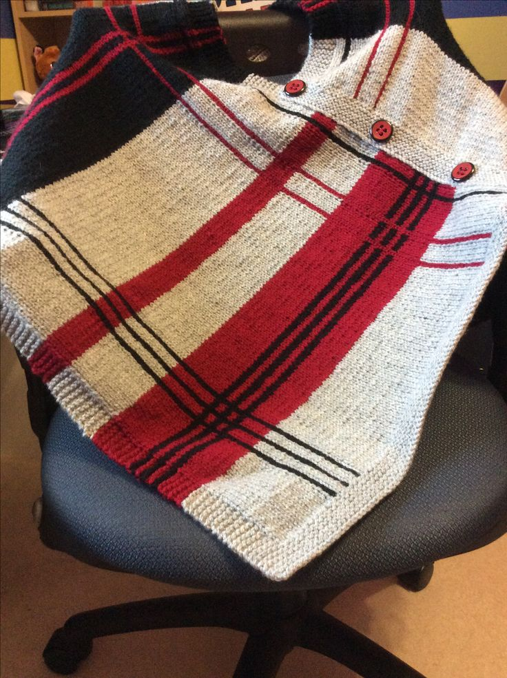 Plaidaptation poncho (Craftsy kit) with Sprightly Yarn). Made in McMaster colours. (Mar/17)