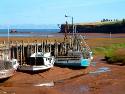 Hall's Harbour on the Bay of Fundy The world's highest tides. Sitting on the ocean floor.