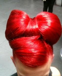 This hair bow updo is adorable! There's a how-to here too!