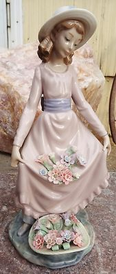 """Retired Lladro Figurine - Flowers In The Basket - #5027 - 9 3/4"""" Tall -Porcelain"""