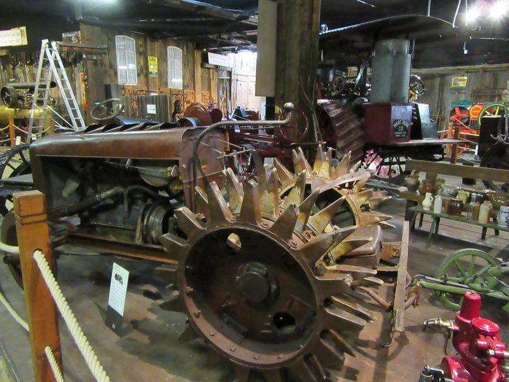 Traktormuseum - Bodensee - http://blog.ralfboscher.de/warum-in-die-ferne-schweifen-resturlaub-oder-der-tourist-am-eigenen-wohnort-bodensee-sightseeing/