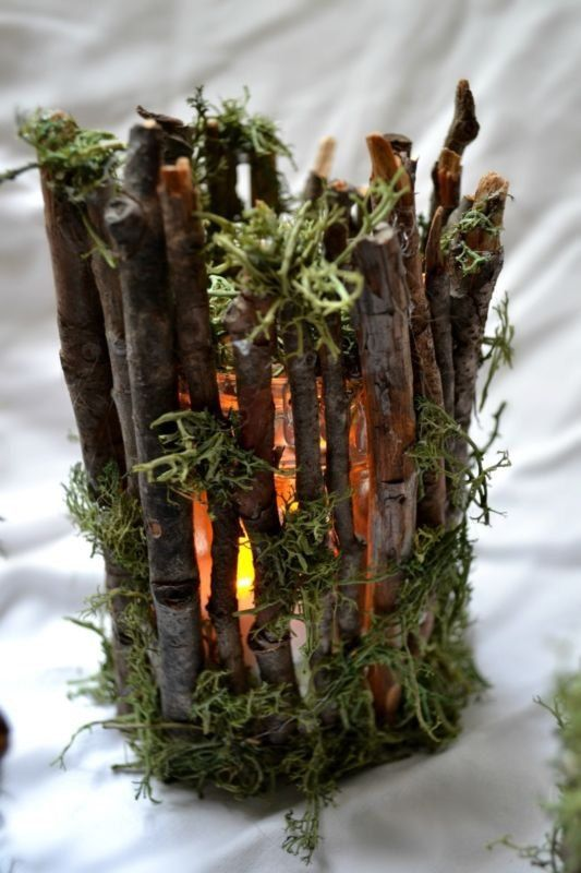 Twigs and moss candle holder, easy to diy with recycled glass jar and twigs and moss from the backyard.