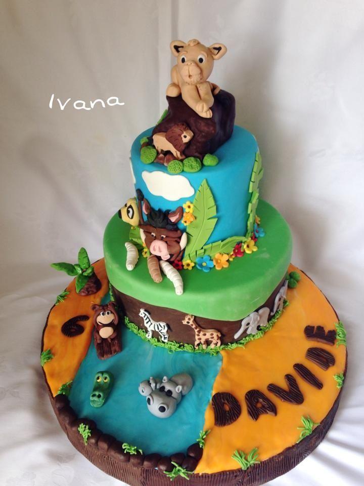 King lion fondant cake