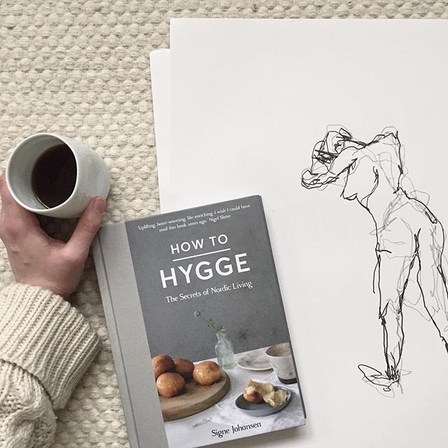 I had such a wonderful hyggelig weekend attending Signe Johansen's Hygge Festival. Braving life drawing that I hadn't done since college (some 16yrs ago I think). I'm no Tracy Emin or Egon Schiele but I enjoyed myself anyway. The sketch you can see was a 2 minute drawing with a pen in each hand, drawing simultaneously. I have a few other sketches too. I may take time out to draw more, it's very relaxing and hyggelig.  This afternoon I'll be reading some of @signesjohansen new book on How to…