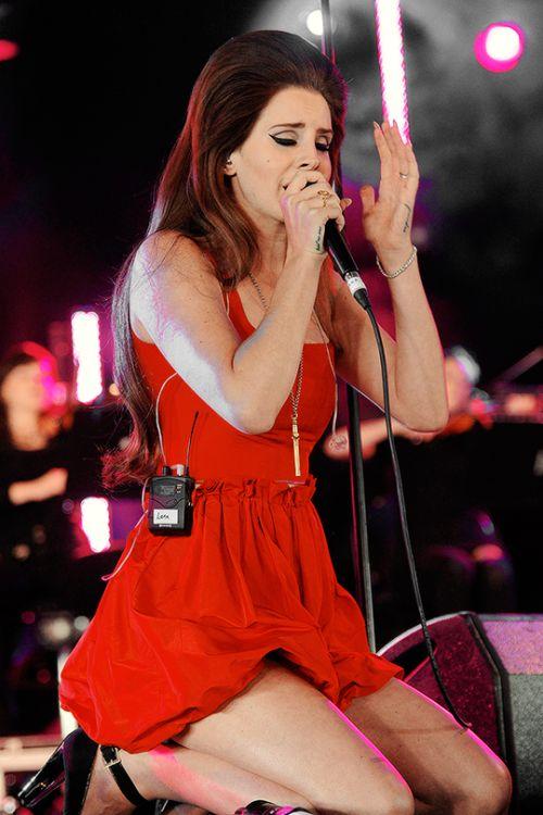 Lana performing at 'BBC Radio 1 Hackney Weekend', London (Jun. 24, 2012)