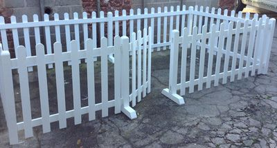 Heavy duty free standing white picket wooden fences