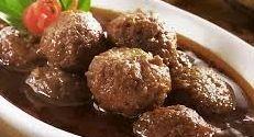 Resep Semur Bola Bola Daging Giling Bumbu Kecap Lezat http://tipsresepmasakanku.blogspot.co.id/2016/10/resep-semur-bola-bola-daging-giling.html