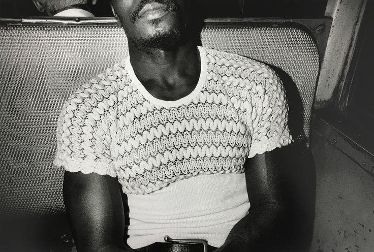 street-photography-pioneer-mark-cohen-brings-unexhibited-70s-images-to-new-york-body-image-1462898747