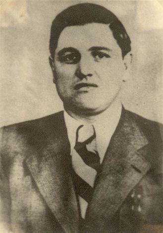 "Felix Landau, SS-Oberscharfuehrer, a Gestapo officer in Drohobycz (Ukraine). He admired drawings of Bruno Schulz and protected him until Schulz was killed by another Gestapo officer, Karl Günther. Günther was a rival of Landau, who had killed Günther's ""personal Jew"", Löw, a dentist. By the way, Landau kept the systematic diary, which recorded his share in the murder of Lviv professors."