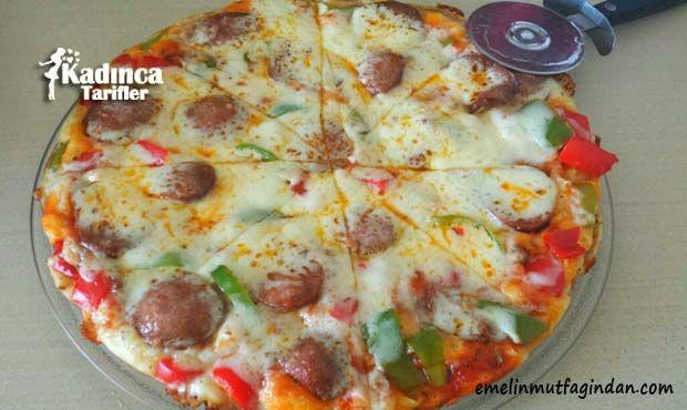 Tavada Pratik Pizza Tarifi | Kadınca Tarifler | Oktay Usta - Kolay ve Nefis Yemek Tarifleri Sitesi