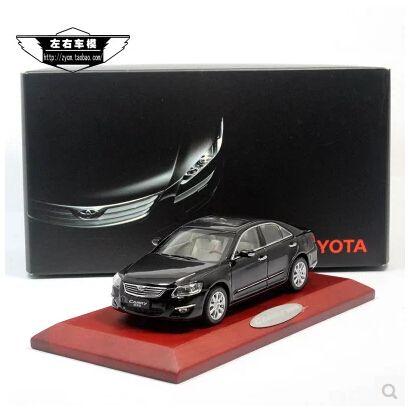 Camry 1:43 TOYOTA оригинальный сплав моделирование автомобиль модели игрушка черный япония семейных автомобилей классические автомобили украшение 1/43 бесплатная доставка