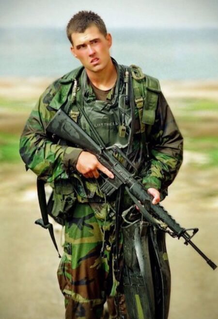 Marcus Luttrell US Navy Seal. the lone survivor of ...