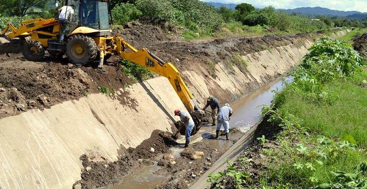 Visita a la obra de construcción del Canal Metán 4