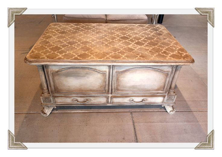 This table was glazed with tinted Scumble and sealed with Clear Topcoat Sealer. The Moroccan stencil and products are by Artisan Enhancements.