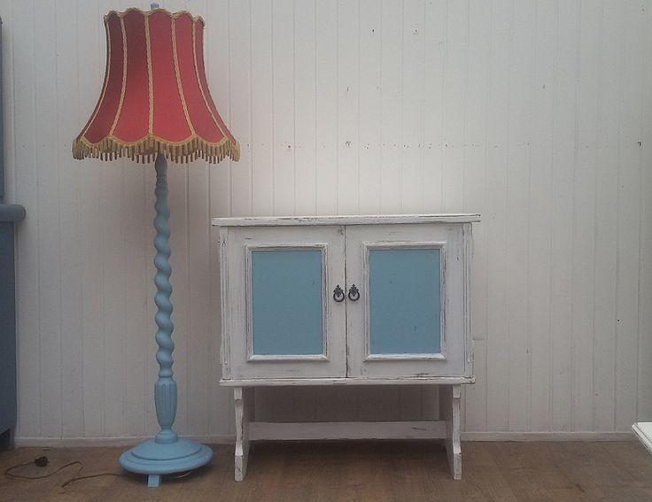 Vintage Schrank, alter Fernsehschrank, Shabby  von Frieda auf DaWanda.com