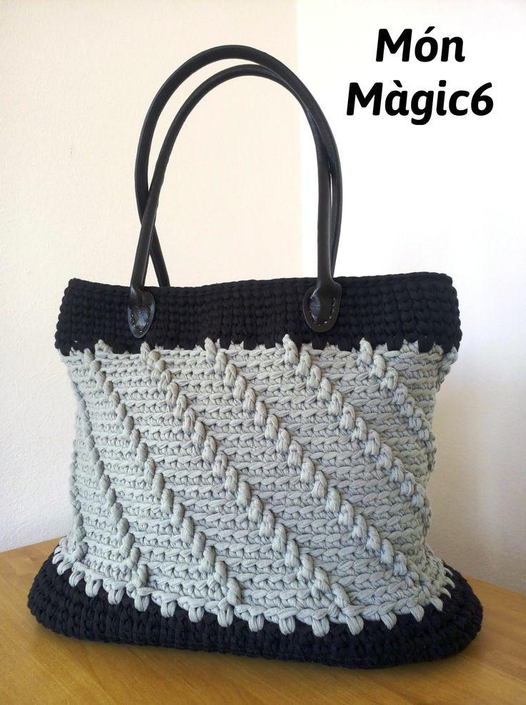 bolso con dos asas y base de cuero fettuccia color negro y gris ancho