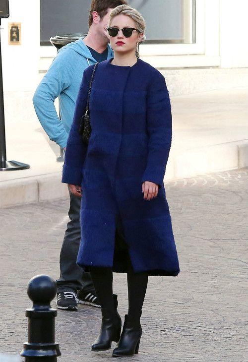 2/2 #ディアナ・アグロン #アルパカコート #ワンピース #黒タイツ #anクルブーツ |海外セレブ最新画像・私服ファッション・着用ブランドチェック DailyCelebrityDiary*
