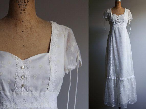 des années 1970 blanc Gunne Sax Style robe de mariée princesse - petit