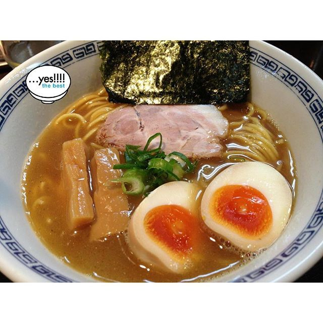 A well-known store in the Shibuya Ward of Tokyo that boasts the highest level of popularity.  Its most famous product is a Double Soup using both seafood and animal based ingredients.  It is simple and at the same time magnificent ramen.…yes!
