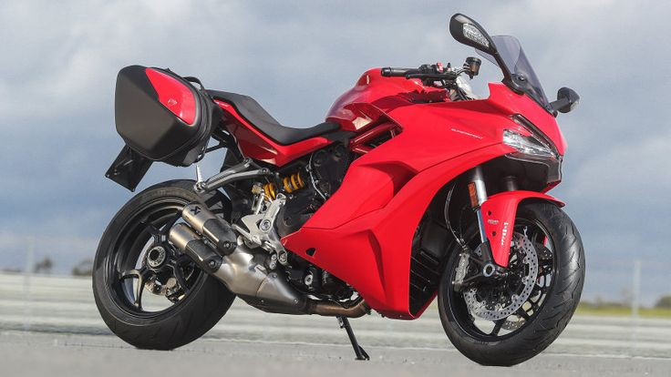 Road biased but track worthy | 2017 Ducati SuperSport First Ride - Autoblog