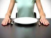 В 2011 году ученые из Медицинского центра в Мюррее, штат Юта, изучали, как один день отказа от пищи (употребления лишь воды) может повлиять на уровень сахара в крови и на вес.