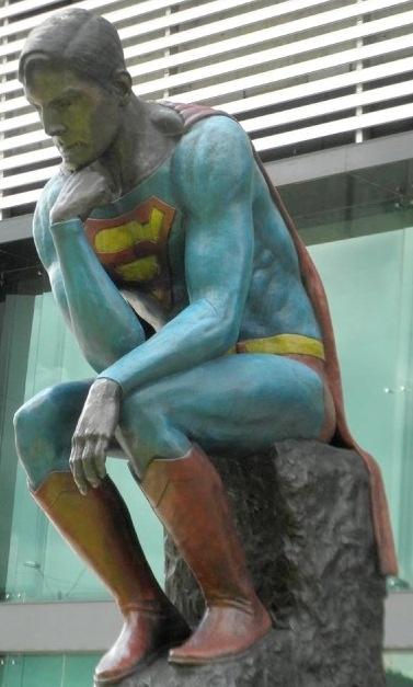 Zaratustra. Sitio web de Frank Bedoya.: A propósito de una estatua de Superman en Medellín, una breve reflexión sobre nuestra ciudad.