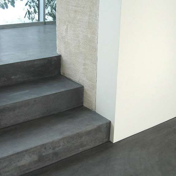 sols - escaliers - dalles en béton - éléments préfabriqués en béton teinté ciré