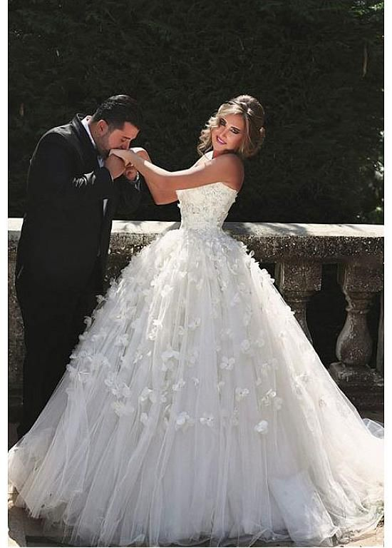 Gorgeous Tulle Sweetheart Neckline Ball Gown Wedding Dresses With 3D Flowers