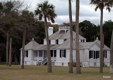 Kingsley Plantation on Fort George Island is Florida's only existing cotton plantation. Visitors can tour the late-18th-century planter's house and slave quarters. To get there, take the St. Johns River ferry at Mayport; it leaves every half-hour. Open daily 9 a.m. – 5 p.m.