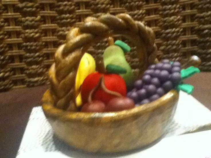 Canasta de frutas de mazapan de almendra 5510606759