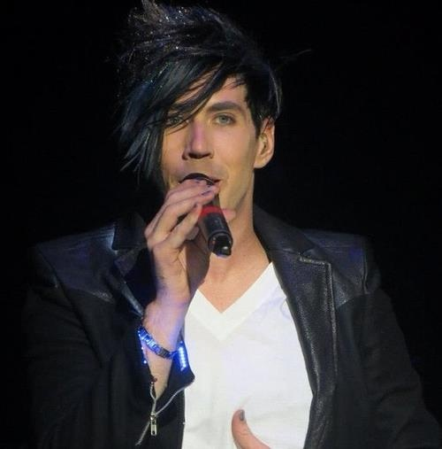 One of my fav. Josh Ramsay pics ever!! (credit to the taker)