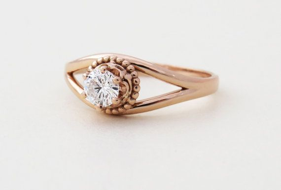 ♥ Dainty and Unique Diamond Engagement Ring in 14k Solid Gold. Very feminine and complimenting design. ♥ This ring is unique - It will make a perfect