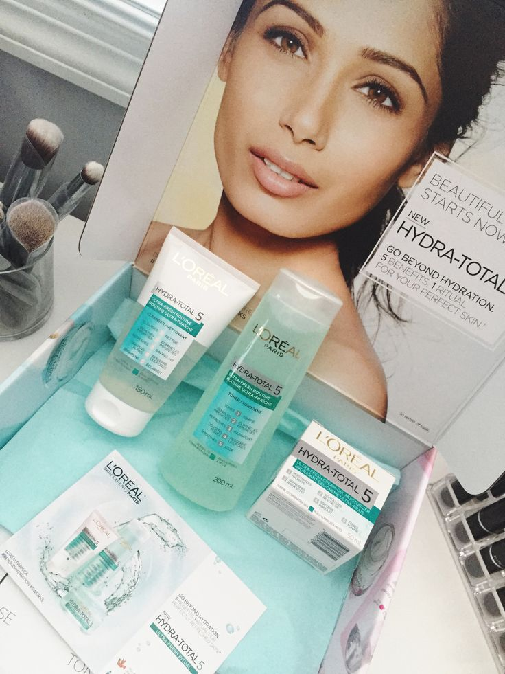 L'Oreal Paris' new Hydra Total-5 skincare line! These beautiful blue babies are for normal to combination skin. They also have pink for sensitive skin and orange for dry skin!