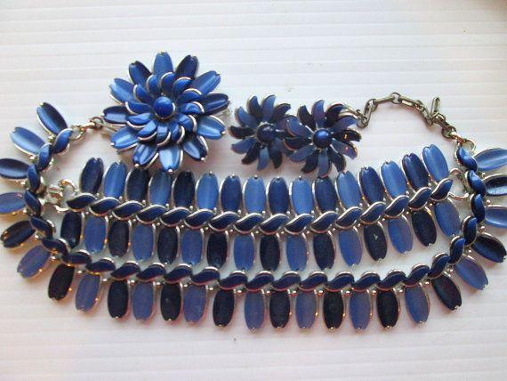 Vintage Lisner Thermoset Parure Set Blue Bracelet Necklace ...